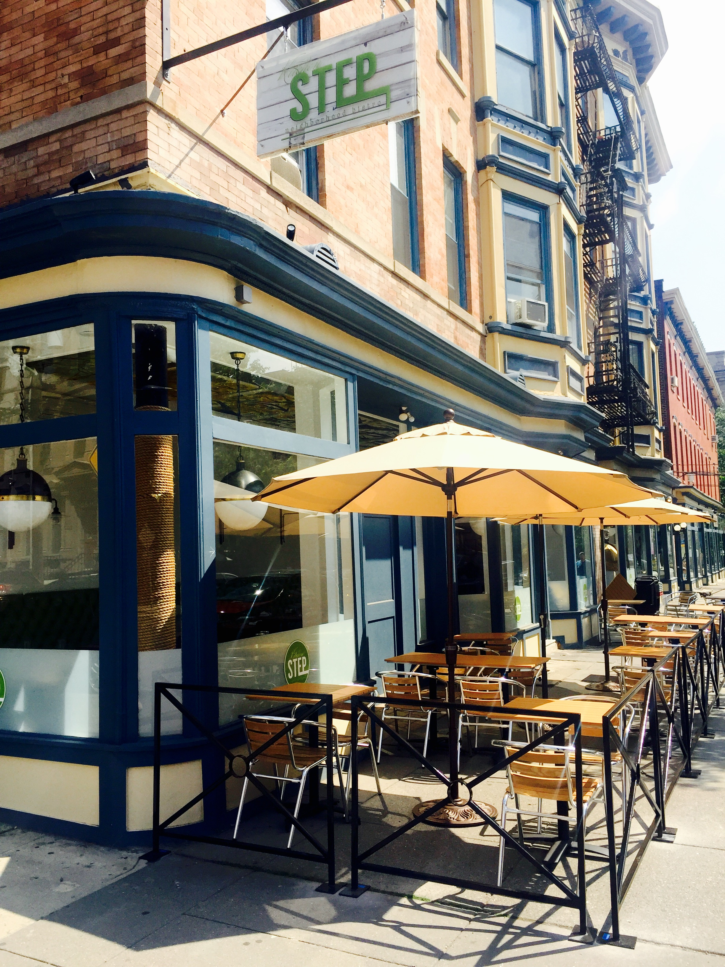 patio seating now open - Glass Front Cafe 2015